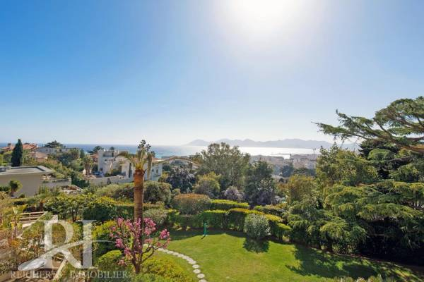 CANNES - Advertisement Apartment for sale4 rooms - 118 m²