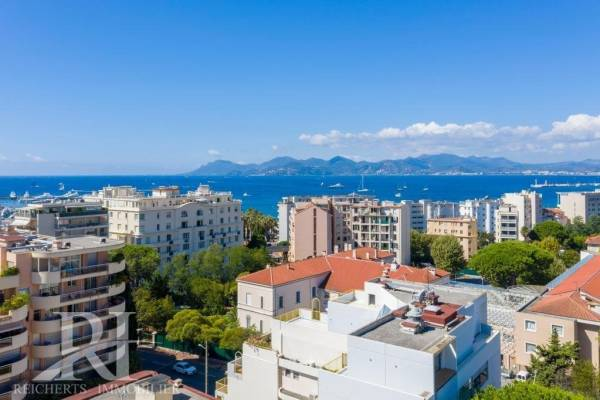 CANNES - Advertisement Apartment for sale5 rooms - 158 m²