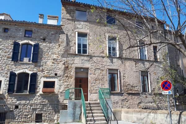 LES VANS - Annonce Maison à vendre9 pièces - 290 m²