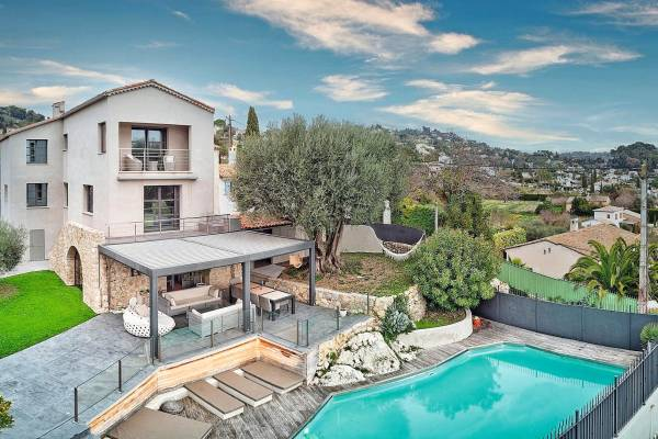 MOUGINS - Advertisement House for sale5 rooms - 190 m²