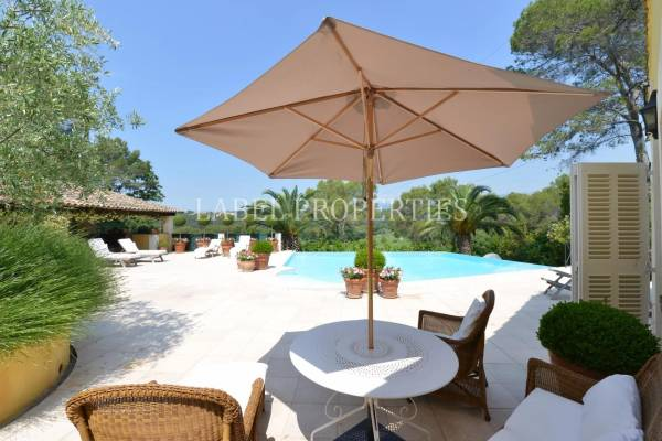 MOUGINS - Advertisement House for sale6 rooms - 293 m²