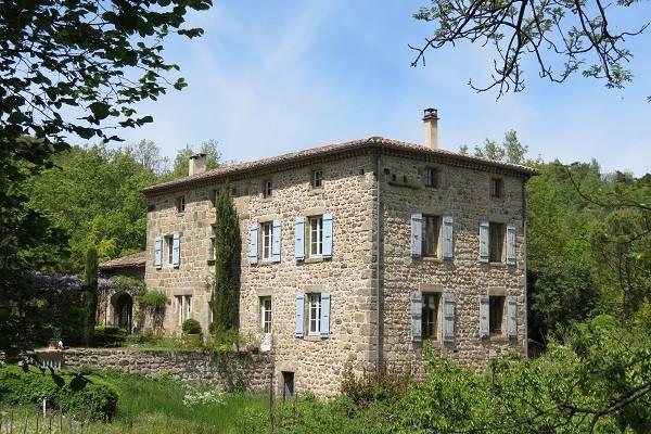 ALBOUSSIERE - Annonce Maison à vendre9 pièces - 320 m²