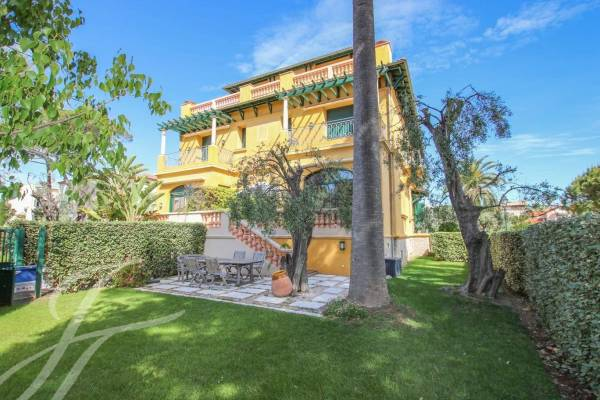 CAP D'ANTIBES - Annonce Appartement à vendre7 pièces - 184 m²