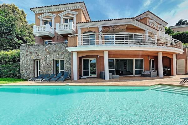THÉOULE-SUR-MER - Annonce Maison à vendre7 pièces - 350 m²