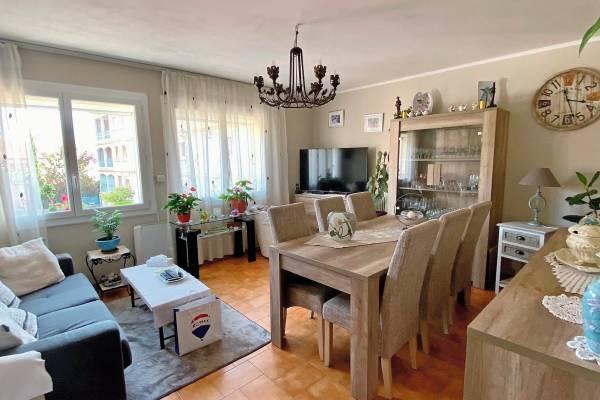 DRAGUIGNAN - Advertisement apartment for sale