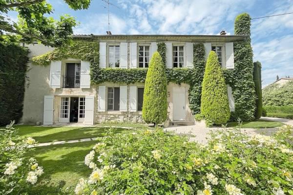 ST-ANDIOL - Annonce Maison à vendre8 pièces - 430 m²