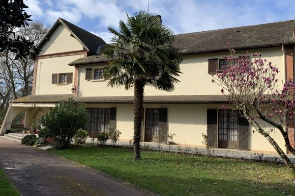 SOUSTONS - Advertisement House for sale9 rooms - 300 m²
