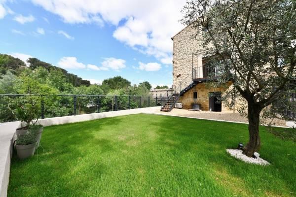 UZÈS - Annonce Maison à vendre6 pièces - 160 m²