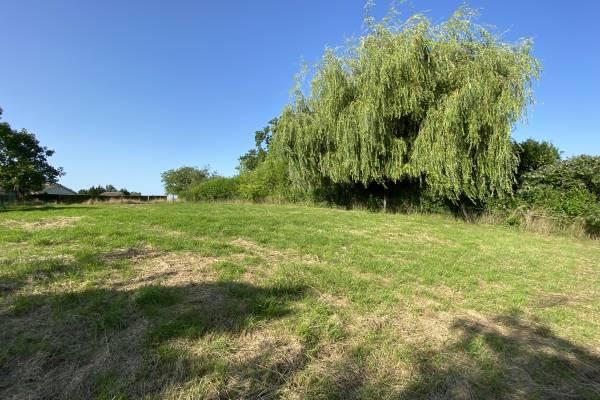 FEILLENS - Annonce terrain à vendre927 m²
