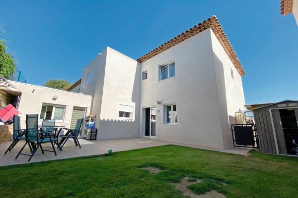 SALON-DE-PROVENCE - Annonce Maison à vendre7 pièces - 208 m²