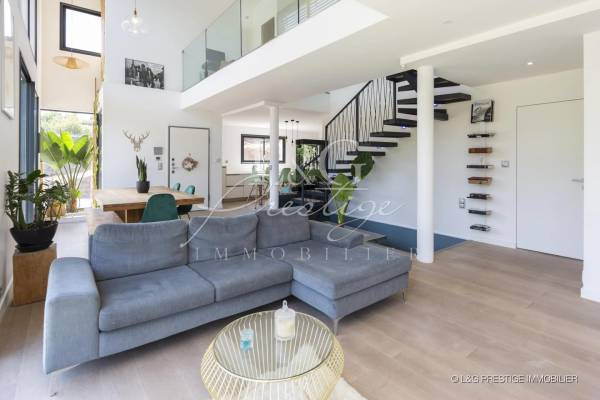 MANDELIEU-LA-NAPOULE - Annonce Maison à vendre6 pièces - 160 m²